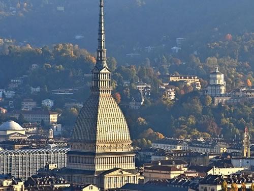 Torino fa scuola: al via al progetto per rinnovare le scuole della città Foto